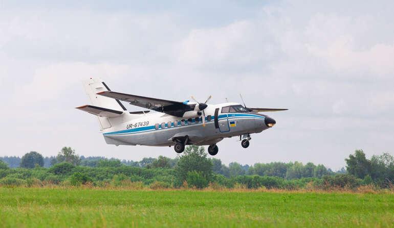 Самолет L-410 Прыжки с парашютом в Чернигове и Киеве - Skydive Academy-