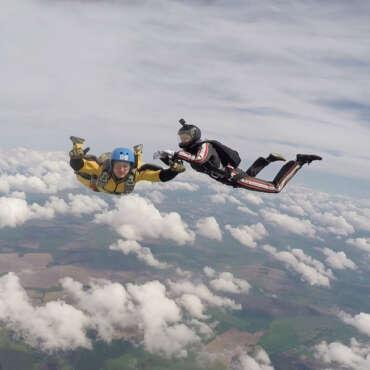 AFF прыжок с парашютом в Чернигове и Киеве - Skydive Academy - Аэродром Певцы