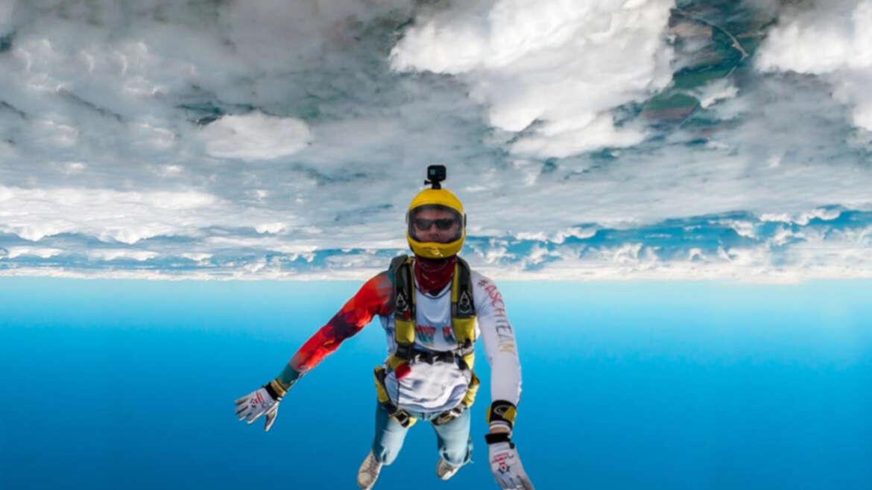 Спортивні стрибки з парашутом в Чернігові і Києві на Аеродромі Півці - Skydive Academy