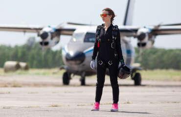 Стрибок з парашутом Чернігів Аеродром Півці - Skydive Academy