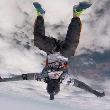 Прыжок с парашютом Чернигов - Skydive Academy
