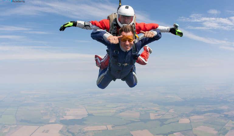 Прыжок с парашютом в Украине - Skydive Academy