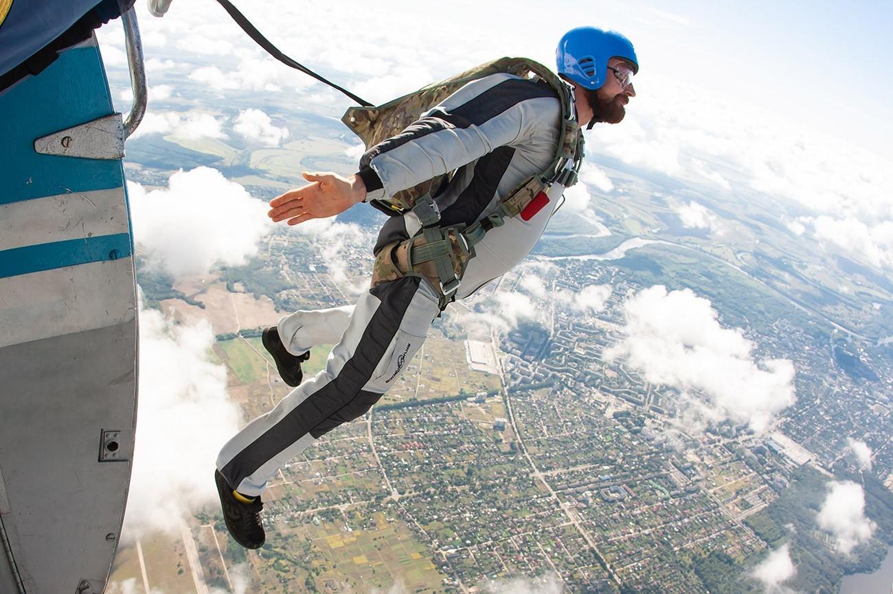 """Стрибок з парашутом типу """"крило"""" - Skydive Academy"""