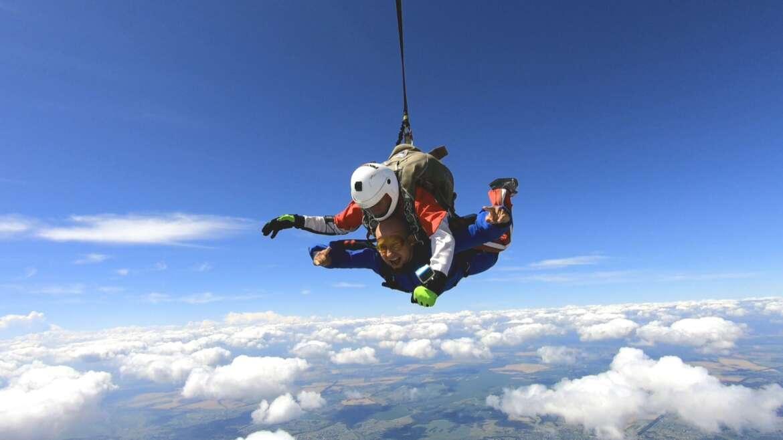Сертифікат на стрибок з парашутом в Києві і Чернігові - Skydive Academy
