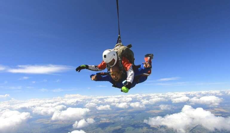 Сертификат на прыжок с парашютом в Киеве и Чернигове - Skydive Academy