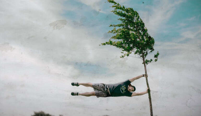 Погані погодні умови для стрибків з парашутом