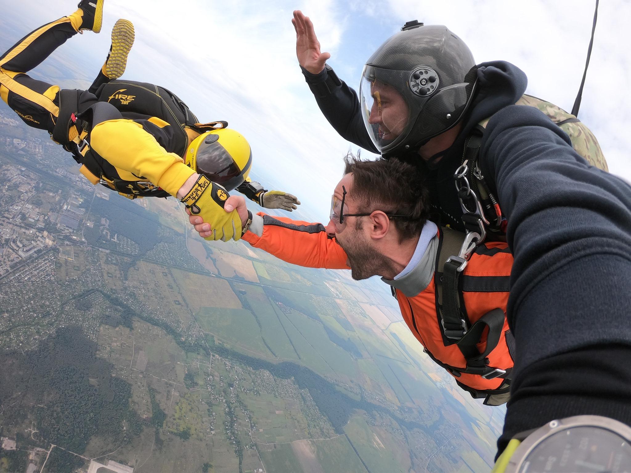 Прыжок с парашютом в Киеве и Чернигове